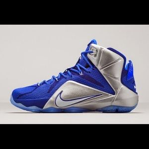 Dallas cowboys Nike LeBron James shoes